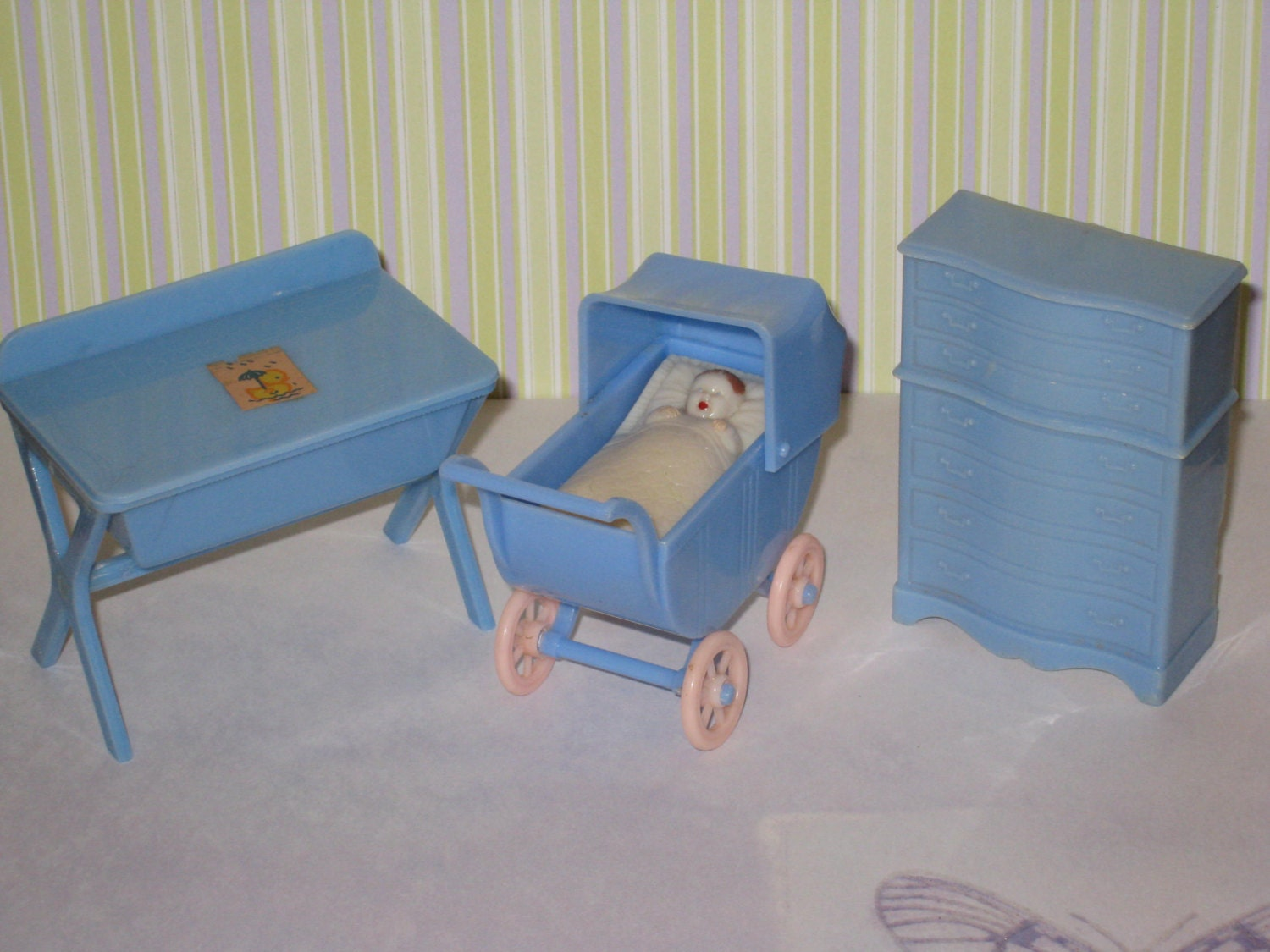 1950s Renwal Hard Plastic Dollhouse Blue Baby Furniture Set