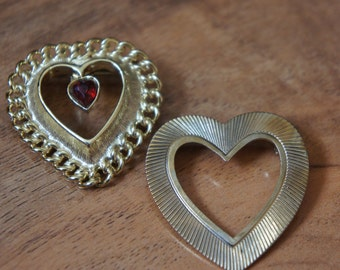 Vintage Jewelry Brooch Pin   Design  Heart/ Gold /CZ/  Stamping /Engraving/ Filigree /Red/ F-041