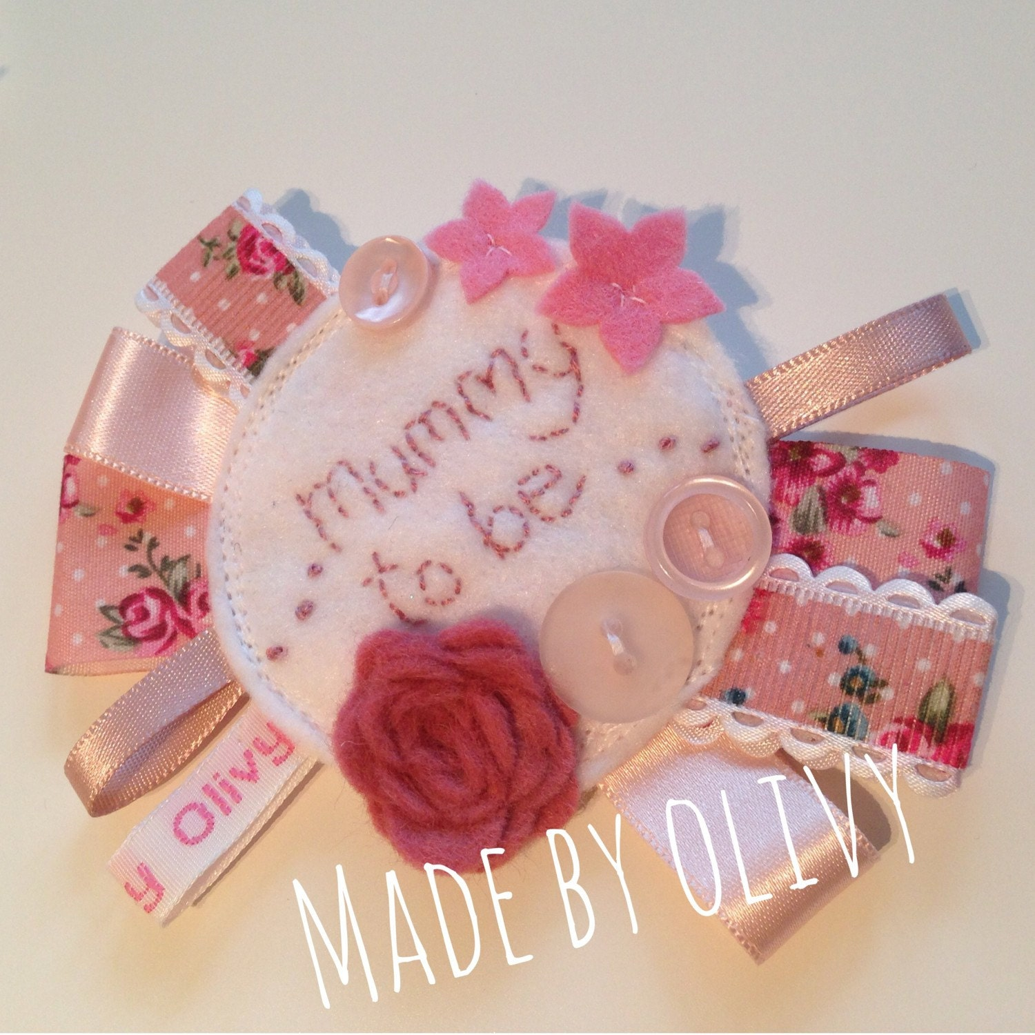 Baby Shower Gift Ideas Mum : Mum to be rosette baby shower gift idea