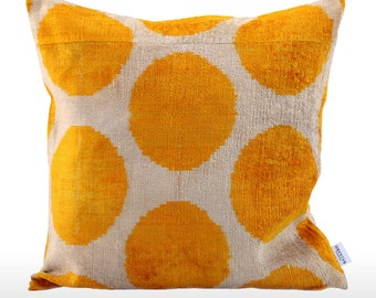 Velvet Ikat Pillow: Spots