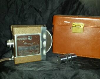 Revere 8mm Camera w/ Wollensak Raptar 1 1/2 inch f/3.5 Cine Telephoto