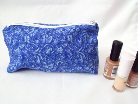 make up purse,  cosmetic bag,  make up pouch, zipped pouch, coin purse, blue foliage print fabric