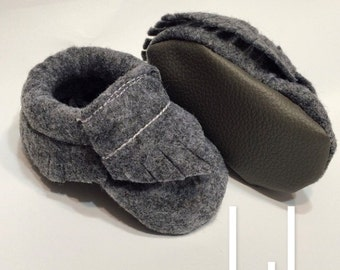 Grey Felt Baby Moccasins | Affordable Mocs | Baby Shoes | Baby Booties | Toddler shoes | Baby Moccs