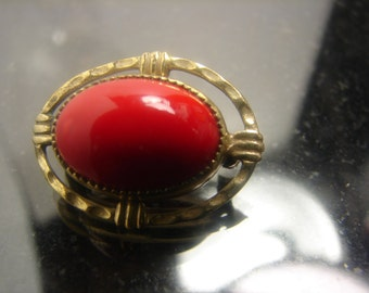 Red Glass pin from the 40's 382