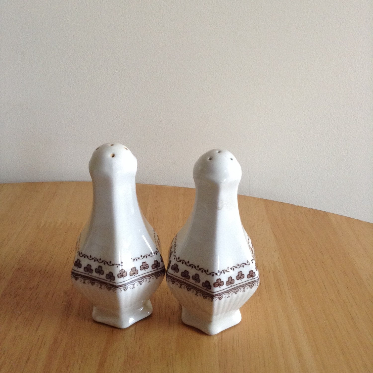 Adams Sharon Salt And Pepper Pots By Chinasingles On Etsy