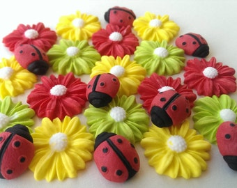 15 Edible sugar daisies 8 Ladybirds cake cupcake toppers