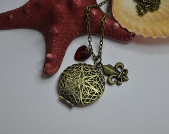 The Medallion necklace originals