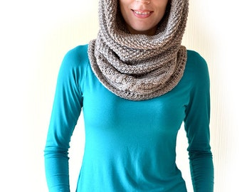 Chunky knit cowl Knitted cowl Gift for sister Cowl Wool scarf Neck warmer Knit infinity scarf Snood Hooded scarf Winter scarf Gift for her
