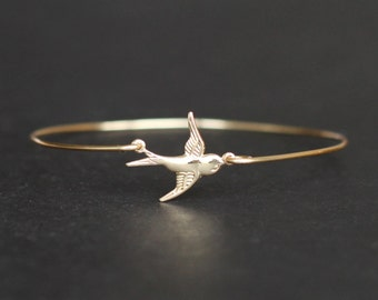 gold Swallow Bangle, flying Swallow bird bangle Bracelet, Swallow Jewelry, Gold Swallow Charm,  Animal Jewelry, birthday gift for her