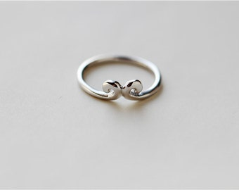 Simple 925 sterlings silver ring, shiny surface, unique jewelry (J6)