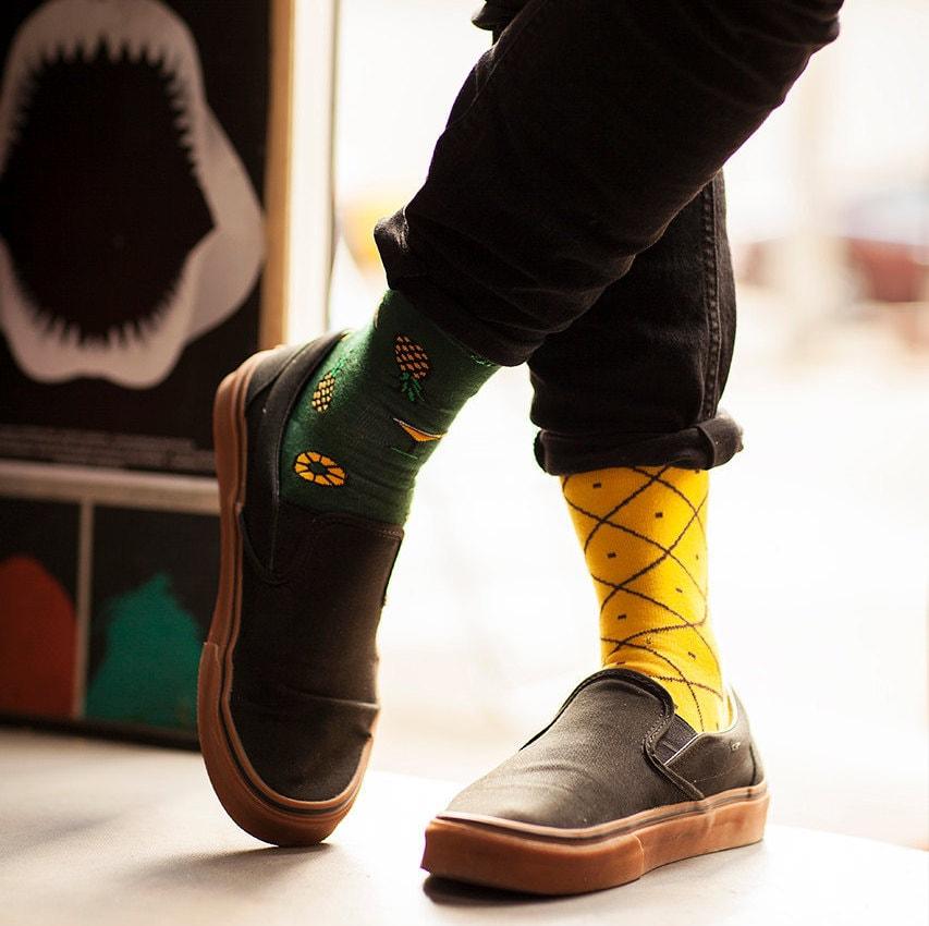 pineapples socks mens socks casual socks cool socks. Black Bedroom Furniture Sets. Home Design Ideas