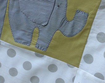 "Blanket ""The baby elephant and the polka dots"""