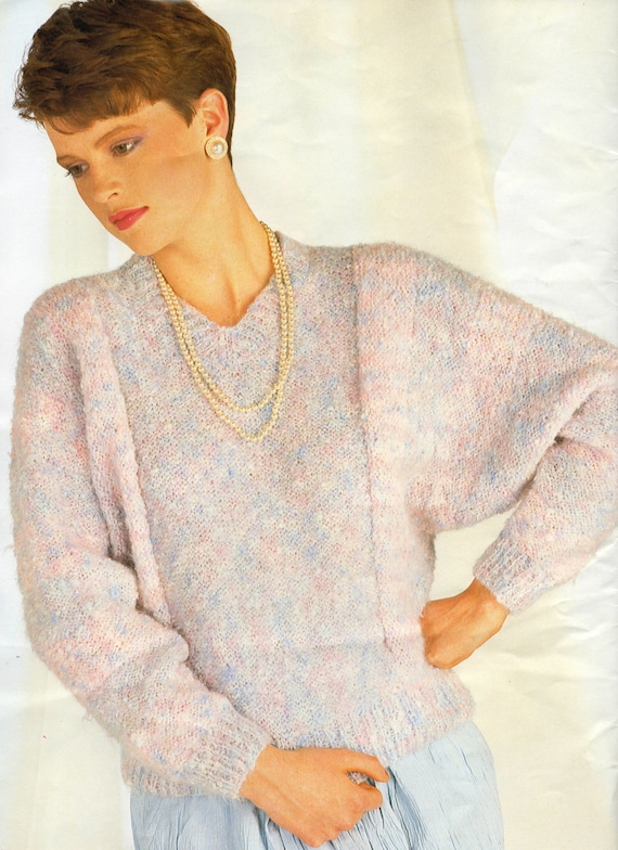 Easy Batwing Jumper Knitting Pattern : Knitting Pattern Ladies Striped Batwing Sweater