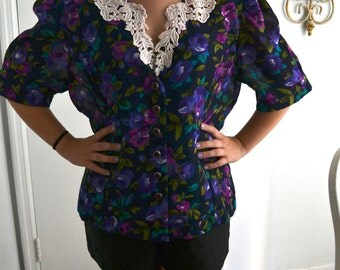 Floral blouse with collar