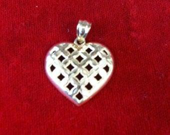 14 k Yellow Gold Heart Charm Beautiful design, 2.6 Gms.