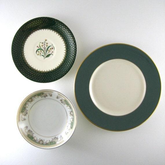 decorative plates vintage plates mismatched plates kitchen