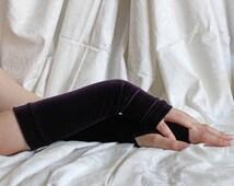 Dark purple velvet gothic  armwarmers fingerless gloves