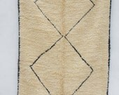 Beni Ourain 06  ''Balanced Life'' Vintage Moroccan rug - 8'6 x 5'3 ft