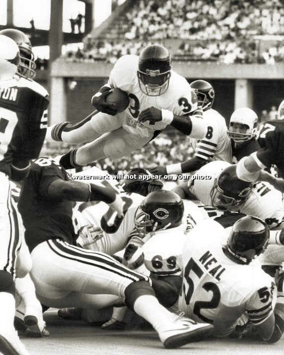 WALTER PAYTON Touchdown Leap Chicago Bears by PictureRelicWalter Payton Jumping Touchdown