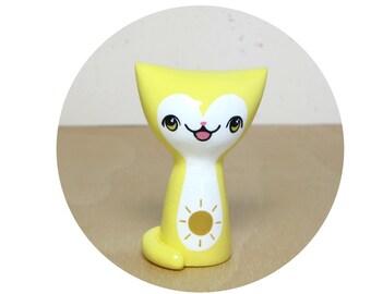 Sunny Day Kitty Figurine - Collectible Miniature Resin Figure