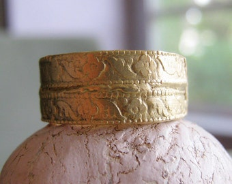Rustic Patterned gold ring wide gold ring - Dig