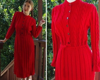 Red POINSETTIA 1940's Vintage Bright RED WWII Long Wool Cable Knit Dress with Belt // size Medium