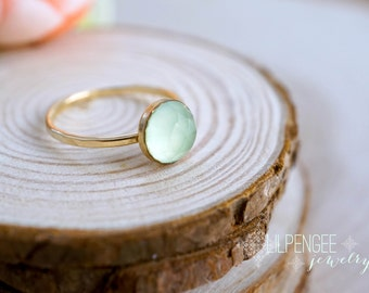 SALE. 8mm aqua chalcedony GOLD FILL ring.  14K goldfill gemstone ring. mint green. aqua ring.