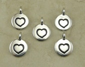 5 TierraCast Round Heart Charms > Love Valentine Bride Wedding Favor Gift - Silver Plated Lead Free pewter I ship Internationally 2421