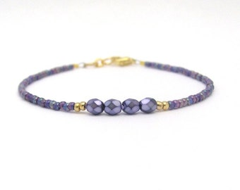 Purple Friendship Bracelet, Purple Glass Pearls, Seed Bead Bracelet, Purple Bracelet, Bridesmaid Gift, Minimal Bracelet, Beaded Bracelet