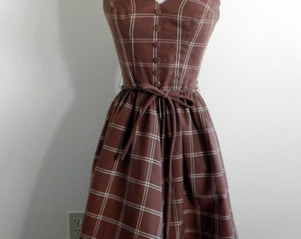 Sale Vintage 1950s Dress - Lovely Brown and White Halter Dress