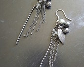 READY TO SHIP - Rowena Earrings - Chain Dangle Black Silver Gunmetal Leaf Earrings - Bella Mia Beads