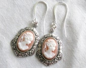 osO ARIANE Oso pink and white silver cameo earrings