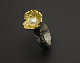 Primadonna Pearl Ring  - Silver and 22 K gold