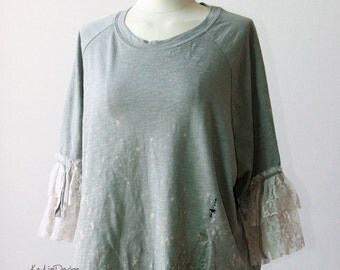 Loose fit upcycled t-shirt / one of a kind tshirt / lace tshirt / shredded tshirt  - KT578