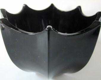 Black Amethsyt Dark Blue Satin Glass Dish Bowl Vintage Ribbed Scalloped Rim Deco Style Umbrella