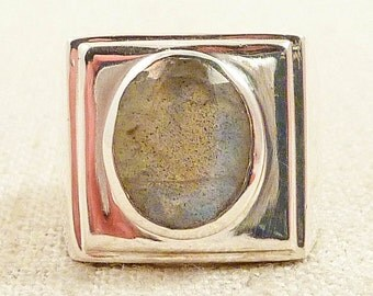 SALE ---- Size 8 Vintage Square Sterling and Labradorite Block Ring