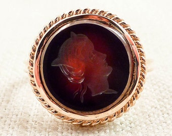 Size 6.75 Vintage 10K Gold and Deep Red Carnelian Silhouette Intaglio Ring