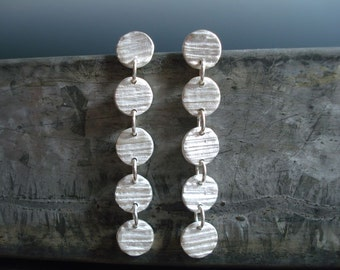 PMC Fine Silver Wood Grain Textured Dangling Disc Earrings