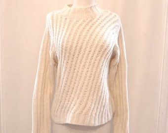 DIagonal Cable Knit Natural White Sweater / Chunky High Neck Ski Pullover Top / Turtleneck Jumper. Winter SWeater. Sale