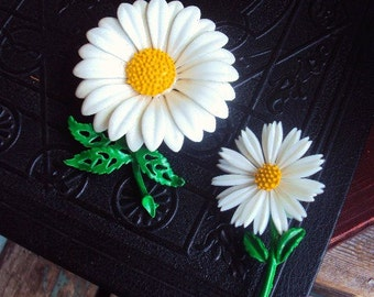 Vintage Metal flower Brooch Pins Set Daisy  Painted Enamel pin 60s Costume Jewelry