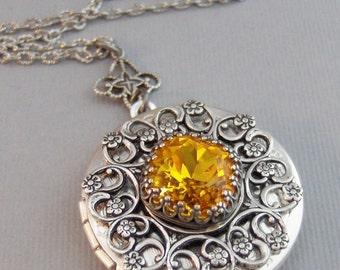 Amber Topaz,Locket,Antique Locket,Silver Locket,Topaz Stone,Yellow Topaz Rhinestone,Vintage,Yellow Stone,Topaz Birthstone.Valleygirldesigns.