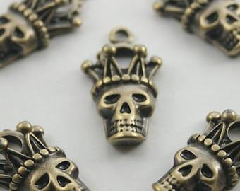 10 pcs.Zinc Brush Brass Skull Crown Head Charms Pendants Decorations Findings 14x28 mm. SK 304