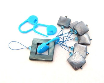 Bead Knitting Stitch Markers - 10 pcs Bead Knitting Markers Set - Blue Gray Mother of Pearl Shell Beads