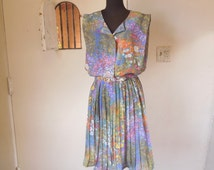"""Vintage 80's Floral Dress, SLEEVELESS, Pleated Skirt, MONET""""S Garden Great Photoprint in Pastels, Blue, Green, Women's Large"""