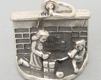 Children & Christmas Gifts By FIREPLACE 3D 925 Sterling Silver Charm 4017