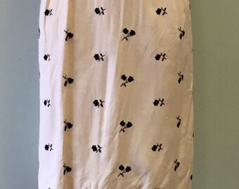Vintage 1950s cream and Black embroidered flower Dress