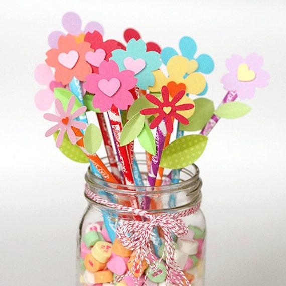 Valentine's Table Centerpiece Pixie Stix Favors Pixie Stix Toppers Cupcake Toppers Cake Topper Birthday Party Favors Party Favors Hearts