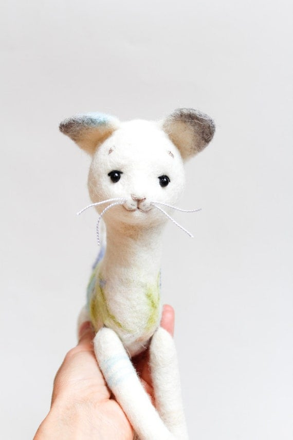 White Felt Cat - Frost. Art Toy, Cat plush, Puppet, Felted Toy,  Stuffed Toy, Felt Animal, Kitten. white, silver. for him. MADE TO ORDER
