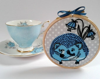 Embroidery kit. Hedgehog and Bluebell flower. Beginner Embroidery Kit. Woodland animal design.DIY wall art.Hoop art. Needlecraft Kit