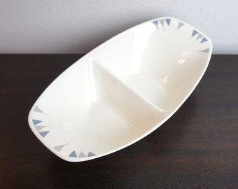 Ben Seibel Iroquois Divided Sculptural White Bowl, Simple Mid Century Pyramid Design, Lavender Purple and Blue,  Mid Century Modern